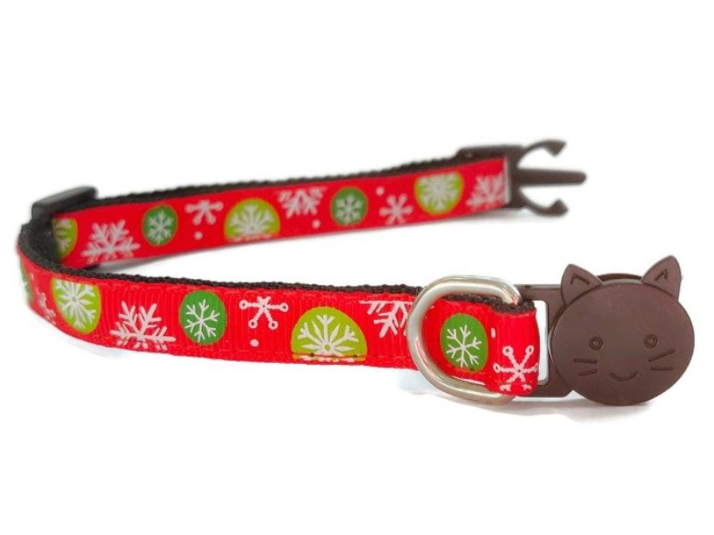 Christmas Cat Collars – Red with Snowflakes