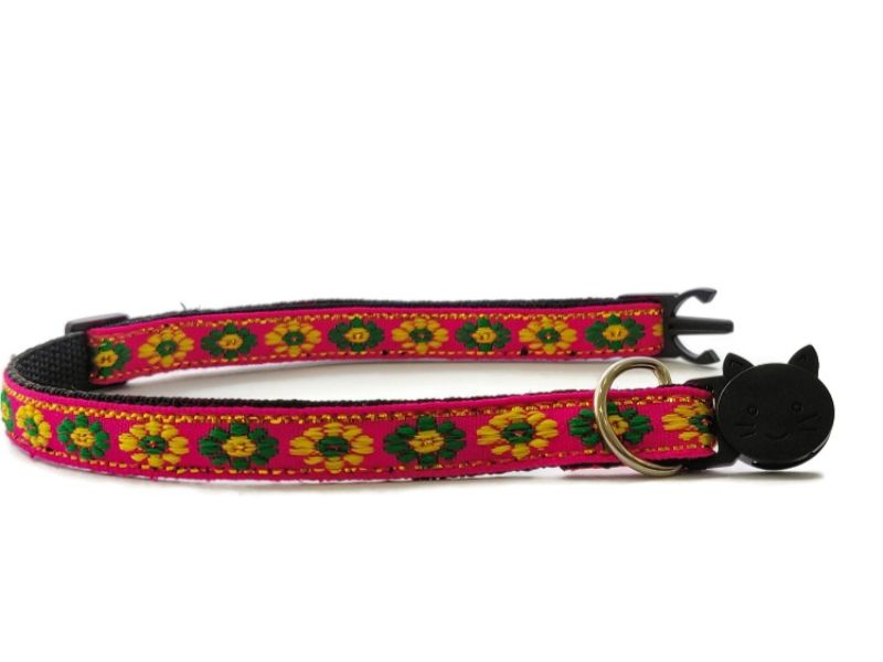 Rose with Green/Yellow Flower Print Kitten Collar