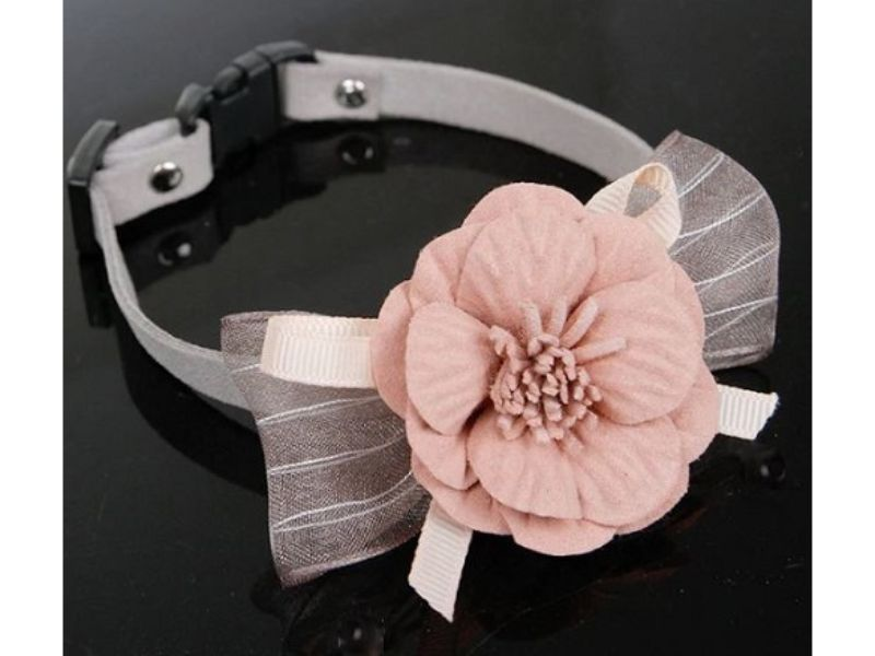 Luxury Cat Collar – Soft Velvet with Flower (Grey)