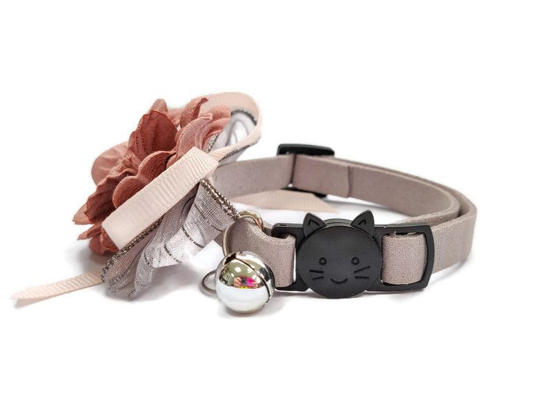 Luxury Cat Collar – Soft Velvet with Flower (Grey)2