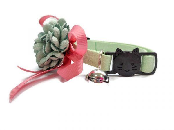 Luxury Cat Collar – Soft Velvet with Flower (Mint Green)2