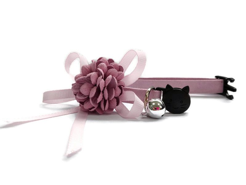 Luxury Cat Collar – Soft Velvet with Flower (Dusty Rose)