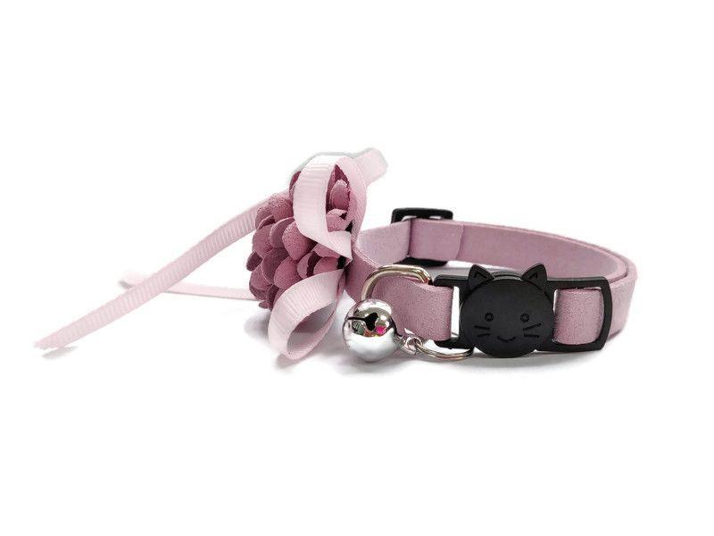 Luxury Cat Collar – Soft Velvet with Flower (Dusty Rose)2