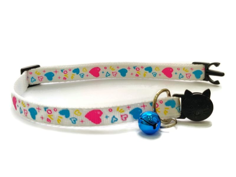 White with Love Hearts Kitten Collar